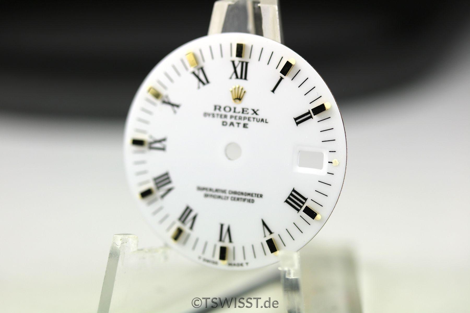 Rolex Zifferblatt für OP Date hartweiß gold Index im Neuzustand samt Zeigersatz. NOS Rolex dial for OP Date hard-white gold index in new condition including hands.