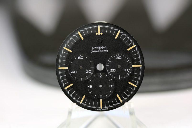Omega Speedmaster 2998 dial